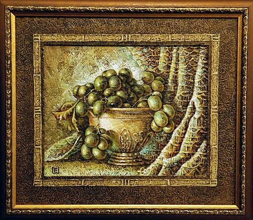 Vynuogės vazoje, 2011 m.( 21 ant 28 cm), aliejus,drobė, spec.faktūra. Kaina 285 Lt.